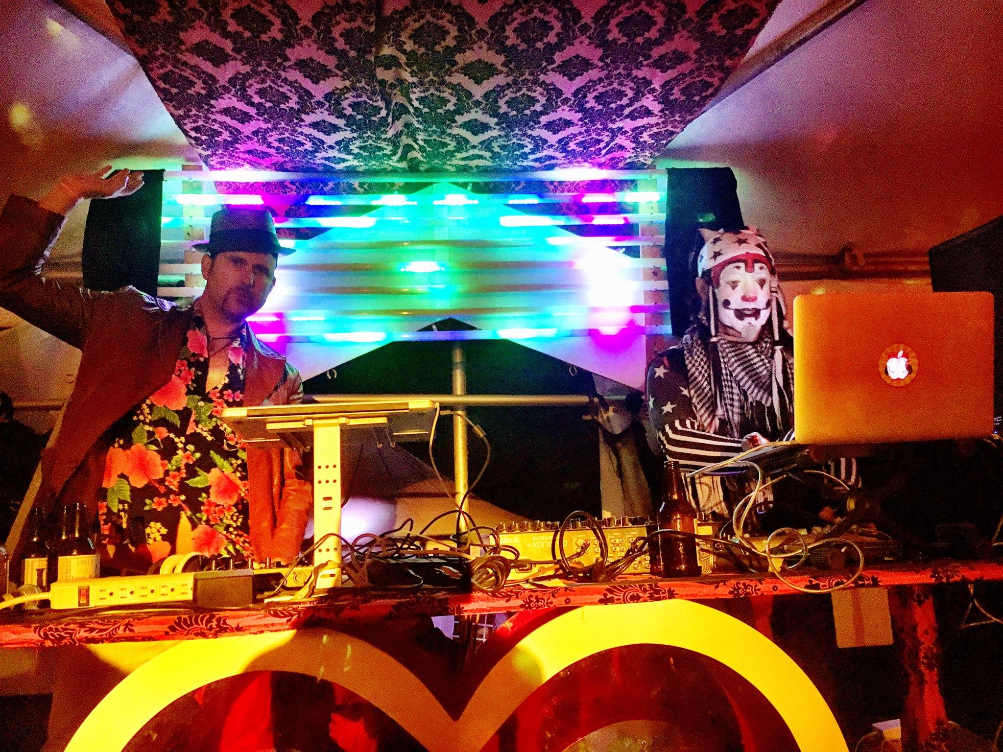 The Klown & Delachaux DJing Trapeze Worldwide - Amori's Casino, Lighting In A Bottle 2016