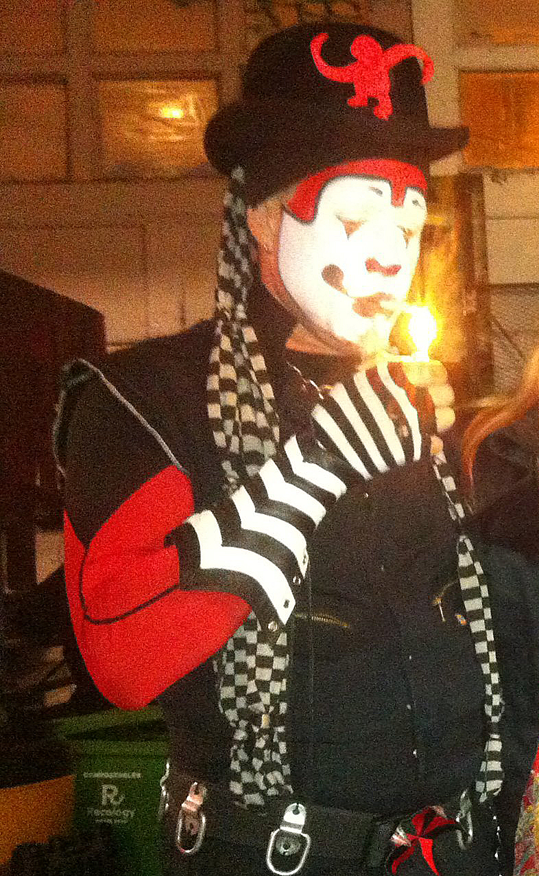 The Klown - Post-gaming at Inner Mission in San Francisco