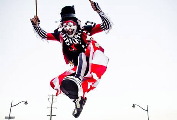 The Klown a'leapin' - Photo by Anne Staveley